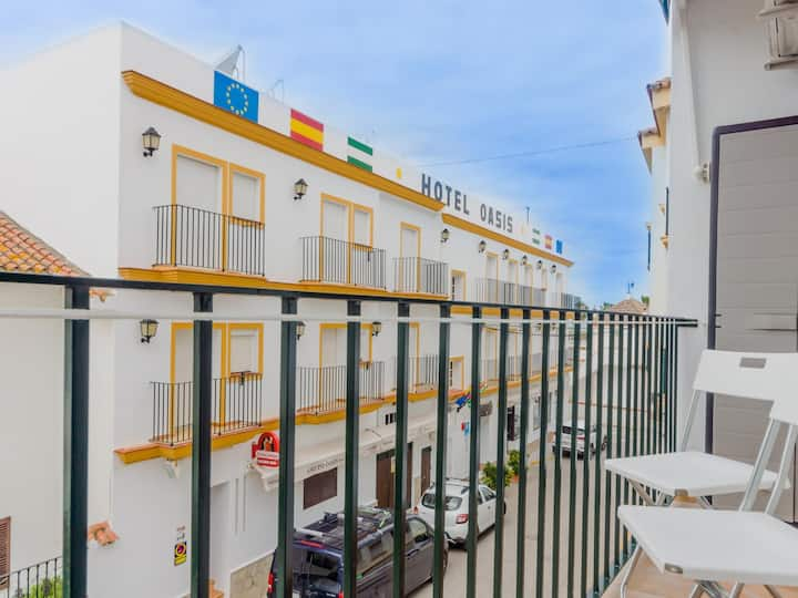 Apartment in city centre, 2 minutes walking diestance to the beach