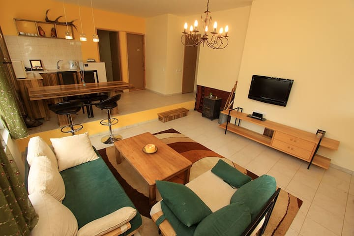 Beshnia 3 bedroom + large livingroom Appartment