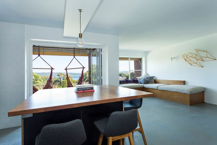 Sunny luxury flat, at Watsons Bay, harbour views