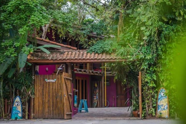 Maui Premium Loft - Aloha House Camburizinho