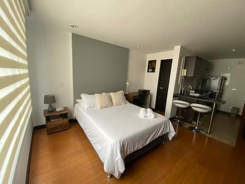 Entire studio apartment, excellent location