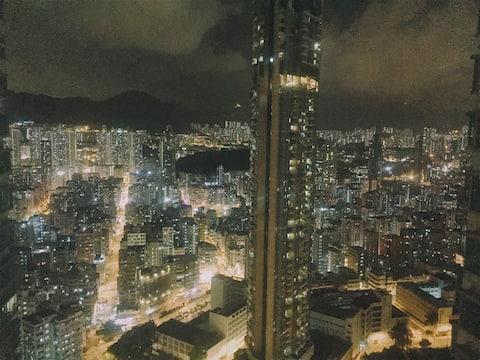 【暮时初见】  仅限女生超高层人气小区  超赞夜景 双地铁 小巴5分钟直达旺角 不一样味道的老香港