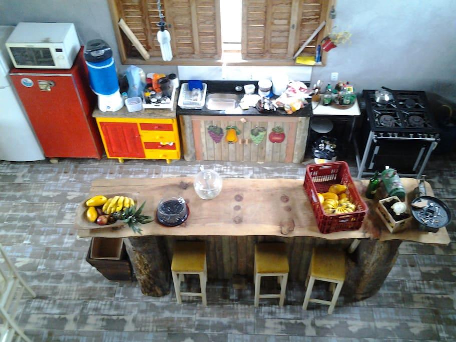 cozinha e sala para 16 pesssoas