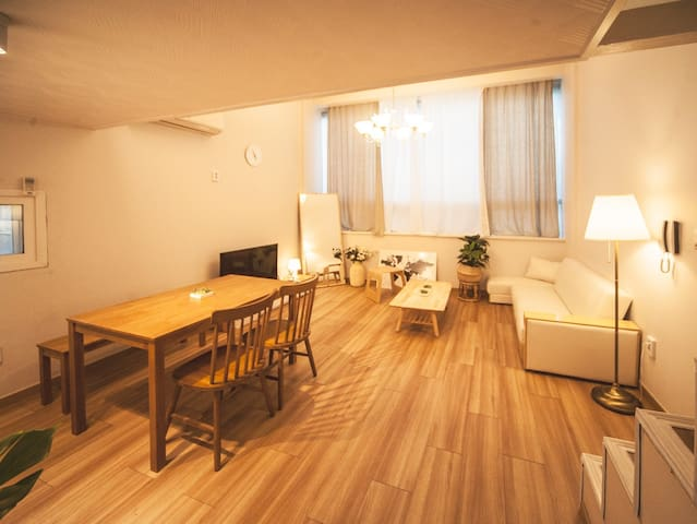 S23. Romantic Mood / Beam / 복층 / CheonHo , 2 Bed