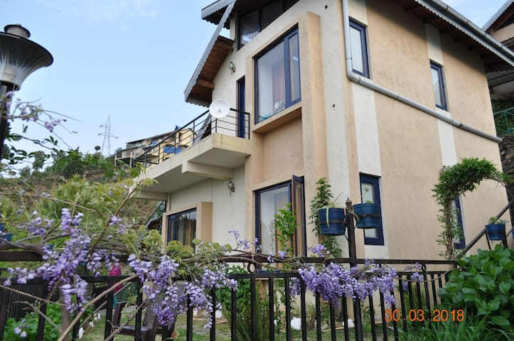 Belle Vue Chalet - Entire Cottage for 6 - Ranikhet