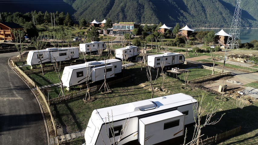 房车营地全景