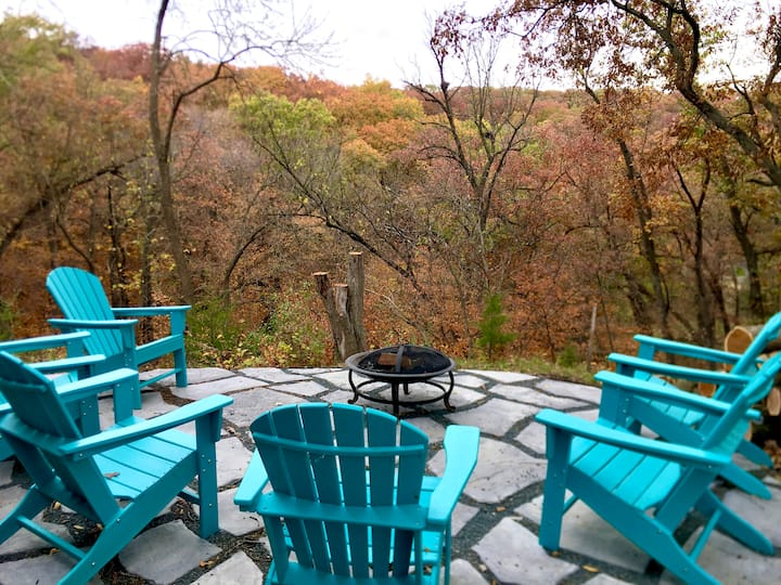 Scenic treetop views Lakefront home Lake Panorama