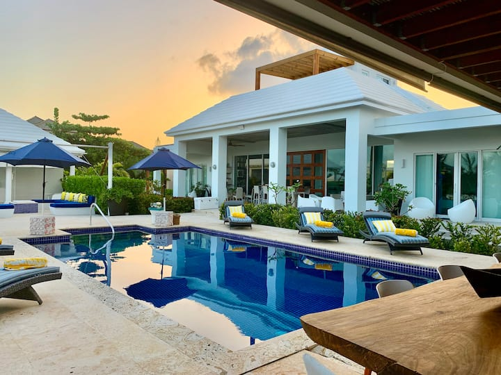 5 BR Luxury waterfront Villa with pool.