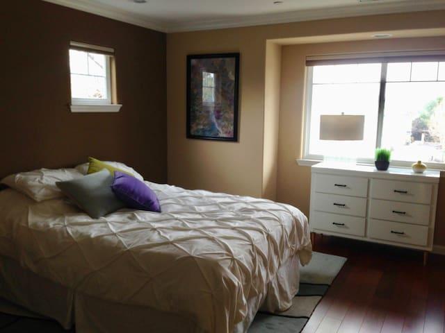 1 Br/1B Private Room