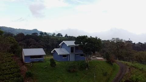 San Vicente cloud forest home.