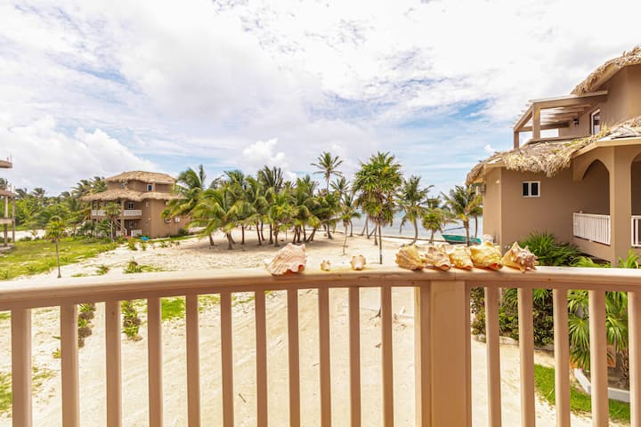 Sapphire Beach Resort 2 Bedroom Ocean View Villa located in quiet secluded resort! (18C)