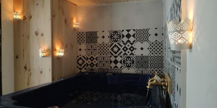 Studio romantique jacuzzi privatif