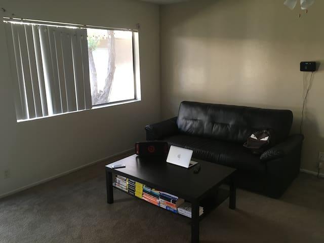 Cozy room close to CSULB