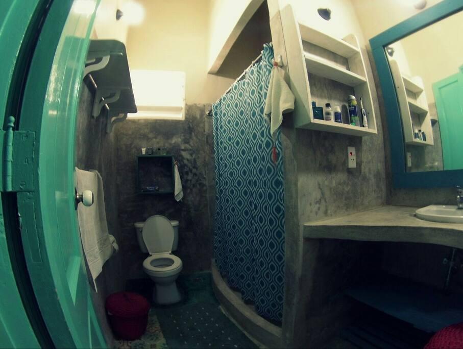 baño de la 2 habitacion