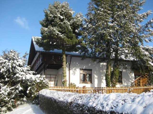 Jochens Zuhause - Tannhausen - บ้าน