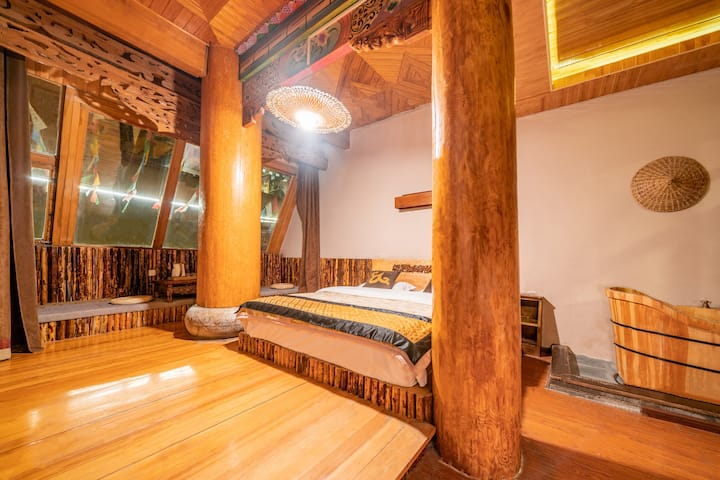 Wooden structure Tibetan king bed room