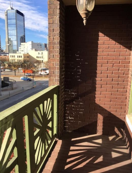Great location close to downtown