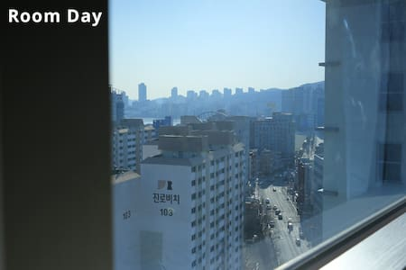 창문이 커서 아침저녁으로 감탄하는 방 - 부산광역시 - Apartamento