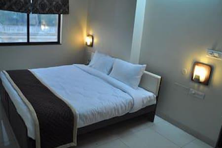 Sidhi Vinayak Guest House - New Delhi