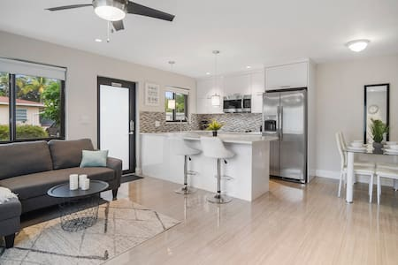 3 NO CLEANING FEE  Modern Condo By Downtown, Beach
