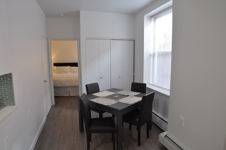 Great Spacious 1BR Apartment in Historic Building