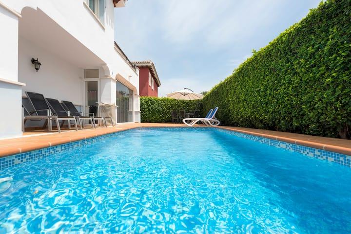 Lush Villa~ South Facing~Heated Private Pool~ WiFi