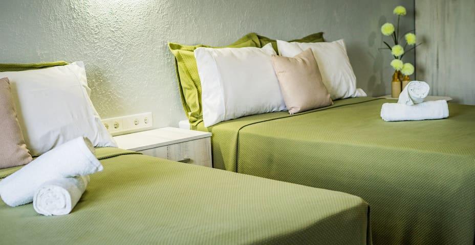 Topaz Guesthouse Curacao room 3