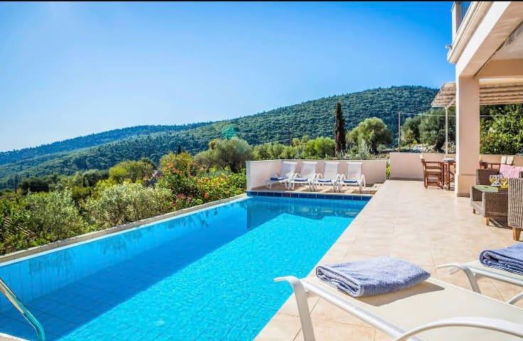 3-bedroom Luxury Villa with amazing sea view