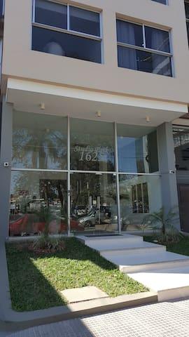 Departamento moderno tipo suite ejecutiva (D)