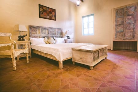 Farm stay with vintage room - Amritsar
