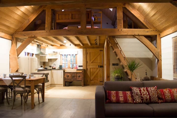 Arthur's Barn in the Cotswolds - Ullenwood - Casa