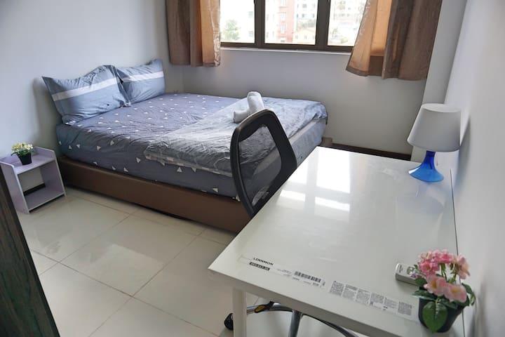 Amazing Spacious 3 Bedroom Apt Unit @ Central G3B