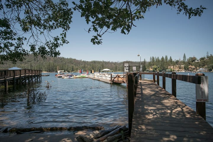 Bass Lake / Yosemite Lake House!