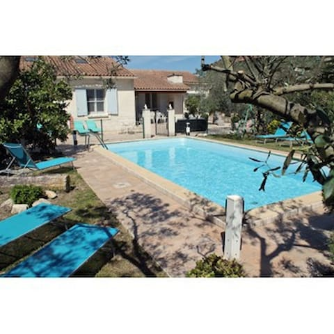 Luxury villa with private pool - Maillane - Villa