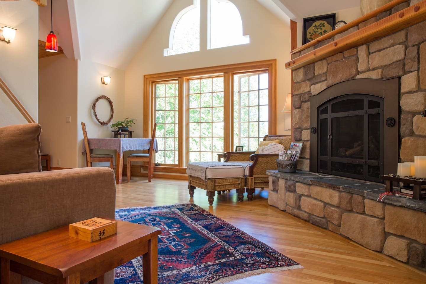 Victorian Garden Carriage House - Apartments for Rent in Ashland ...
