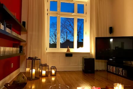 """La Dolce Vita"" Central - Hamburg - Bed & Breakfast"