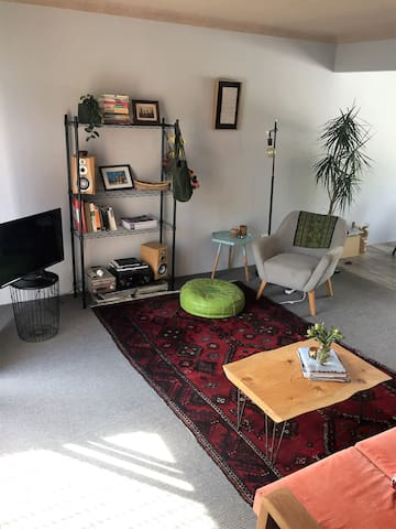 Gorgeous apartment, a stroll from all you need! - The Junction - Wohnung