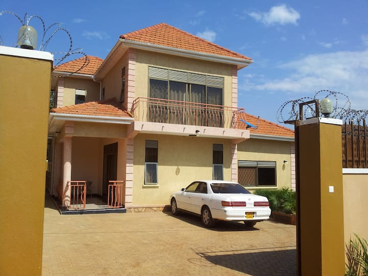 Fully Furnished Najjera Holiday Home