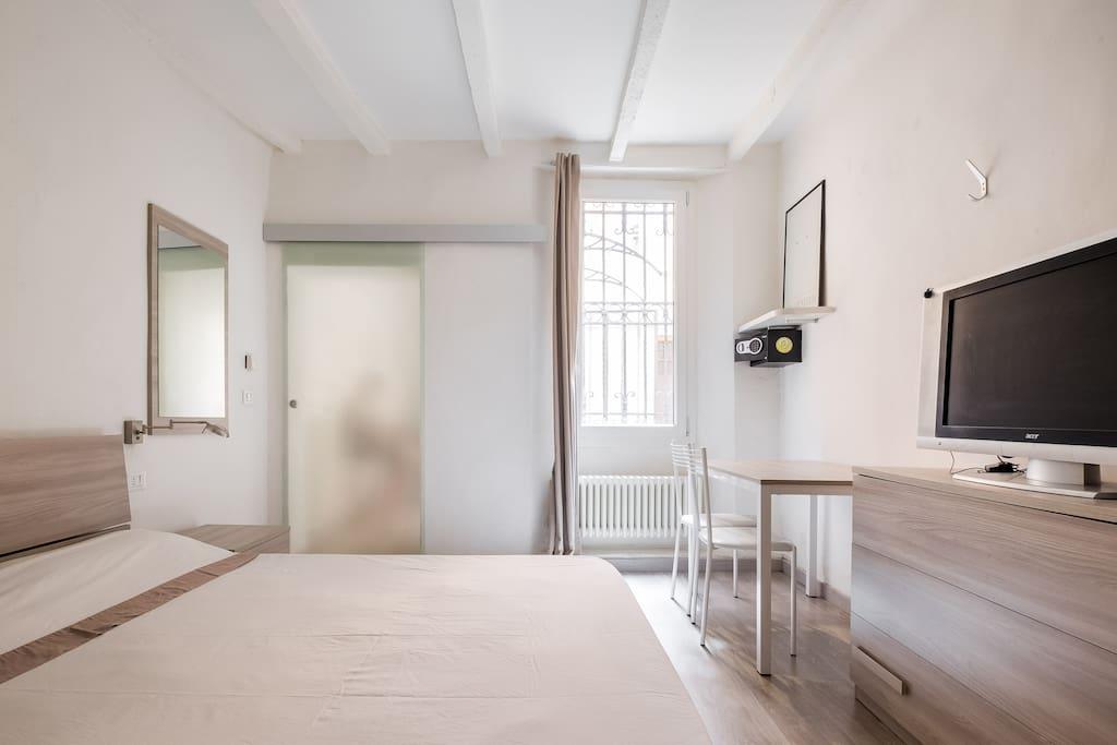camera da letto (l'ingresso)