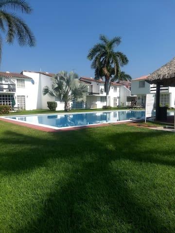 Villa León Acapulco Diamante, tu casa.