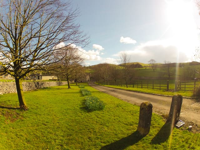 Peaceful Family Apartment in Rural Peak District - Derbyshire - Leilighet