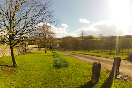 Peaceful Family Apartment in Rural Peak District - Derbyshire