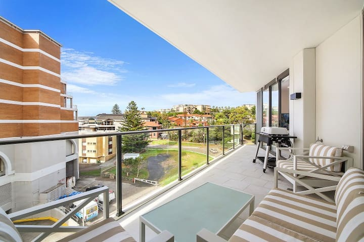 410 Pine Tree - Lux Apartment by the Sea