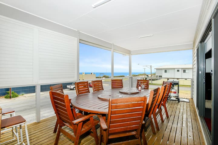 Bayside Aldinga Beach ~ Large Family Beach House