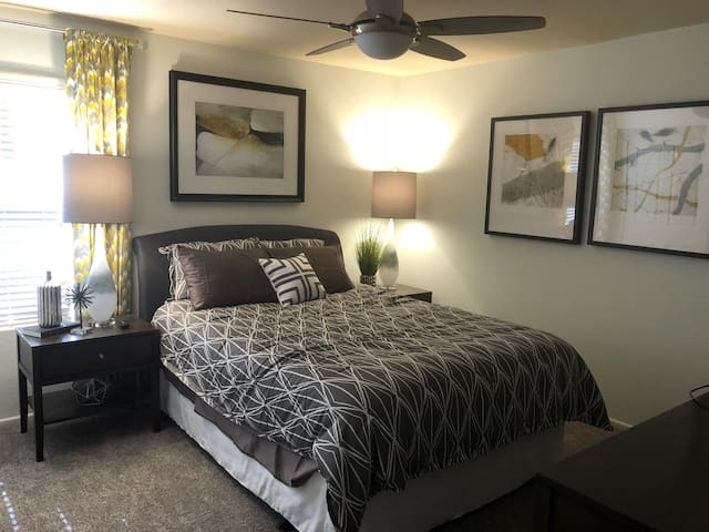 Private Room in South Tempe Condo
