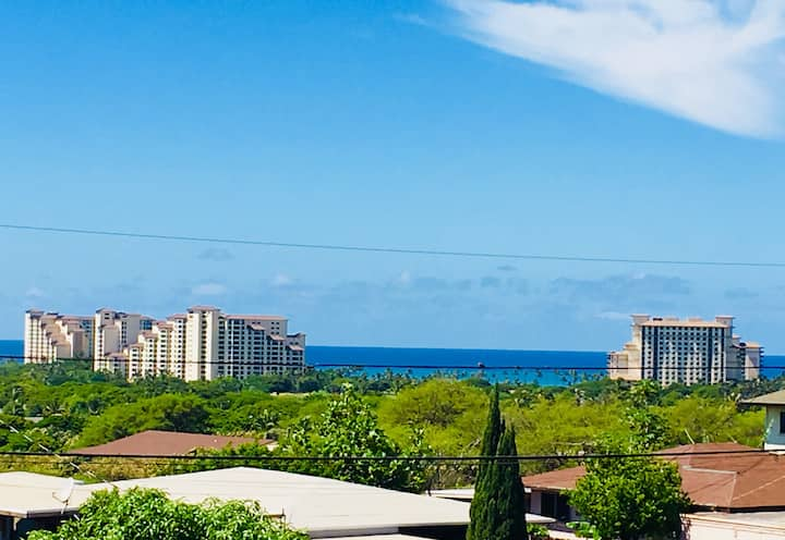 Spacious home with lovely ocean  view in Kapolei