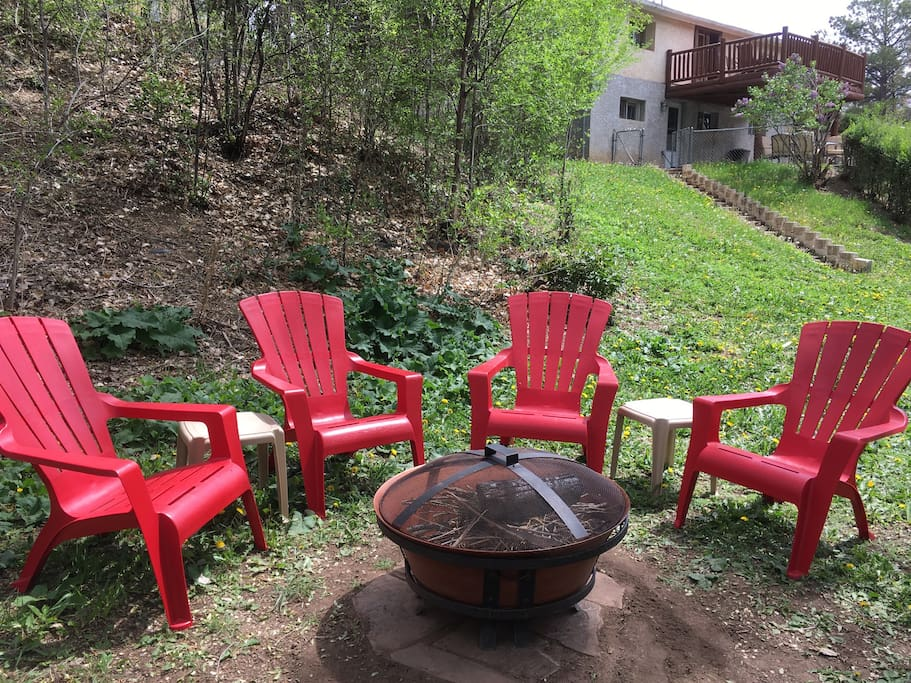 Relaxing creekside fire pit