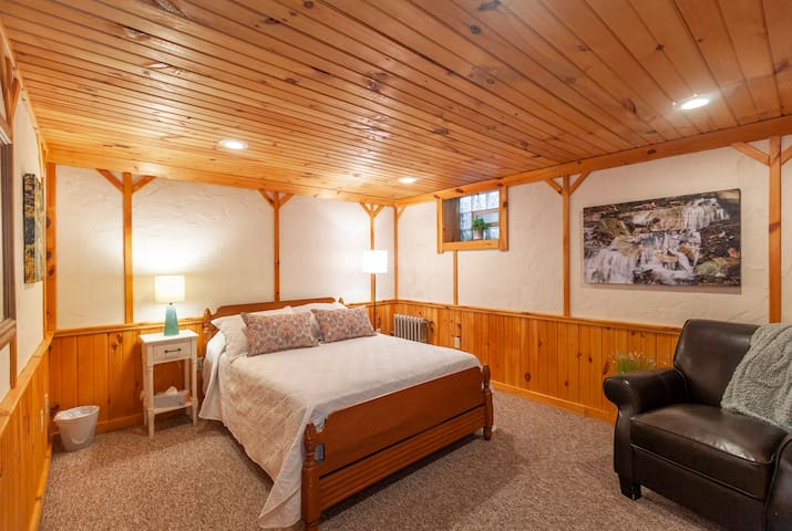 Bedroom 1 (full)