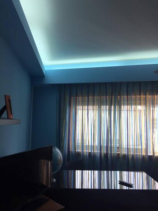 Quarto Suite, com cama de casal e roupeiro