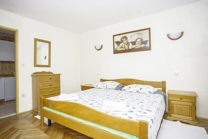 Intimate one bedroom apartment in Lumbarda - Lumbarda - Apartment